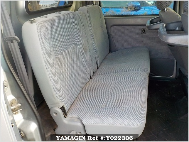 It is a picture of the silver daihatsu hijet  deck van in 2003,Sub Photo 10 Stock No.Y022306