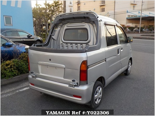 It is a picture of the silver daihatsu hijet  deck van in 2003,Sub Photo 2 Stock No.Y022306
