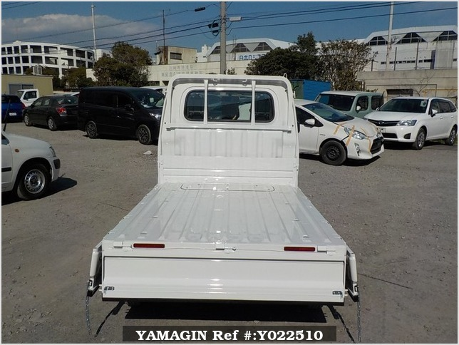 It is a picture of the white daihatsu hijet dump in 2019,Sub Photo 5 Stock No.Y022510