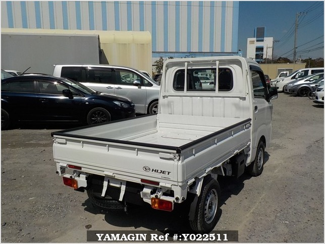 It is a picture of the white daihatsu hijet dump in 2019,Sub Photo 2 Stock No.Y022511
