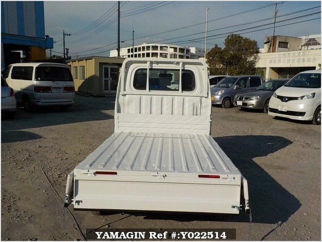 It is a picture of the white daihatsu hijet dump in 2019,Sub Photo 5 Stock No.Y022514