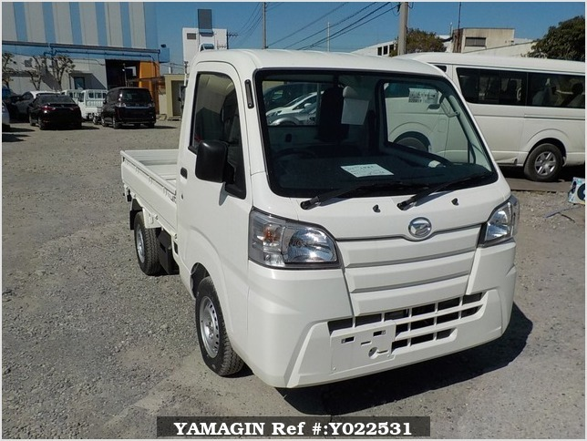 It is a picture of the white daihatsu hijet  truck in 2018,Sub Photo 0 Stock No.Y022531