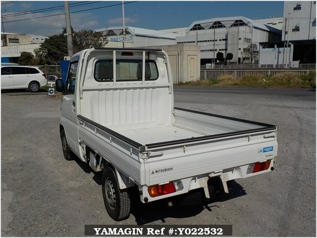 It is a picture of the white mitsubishi minicab  truck in 1999,Sub Photo 3 Stock No.Y022532