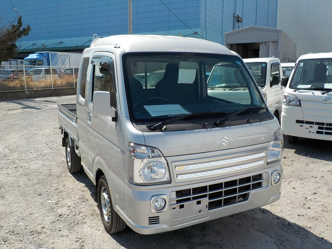 It is a picture of the silver suzuki carry jumbo in 2018,First Photo Stock No.Y022551