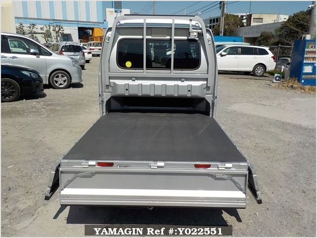 It is a picture of the silver suzuki carry jumbo in 2018,Sub Photo 4 Stock No.Y022551