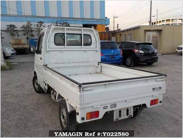 It is a picture of the white suzuki carry  truck in 2003,Sub Photo 3 Stock No.Y022580