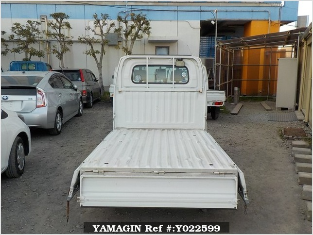 It is a picture of the white mitsubishi minicab truck truck in 2003,Sub Photo 4 Stock No.Y022599