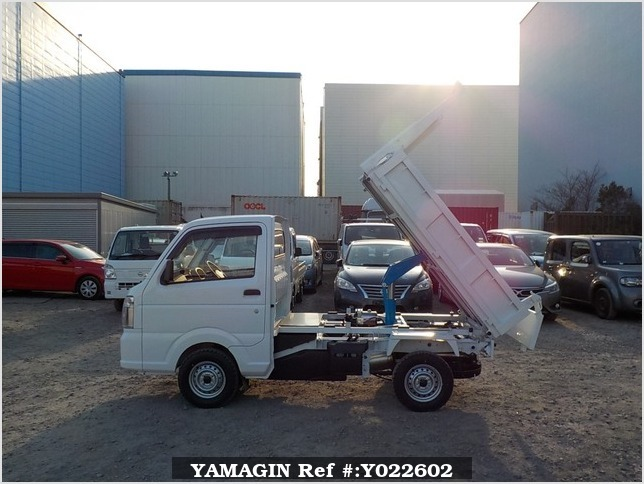 It is a picture of the white suzuki carry dump in 2019,Sub Photo 5 Stock No.Y022602