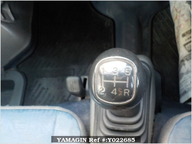 It is a picture of the silver mitsubishi minicab passenger van in 2000,Sub Photo 7 Stock No.Y022685