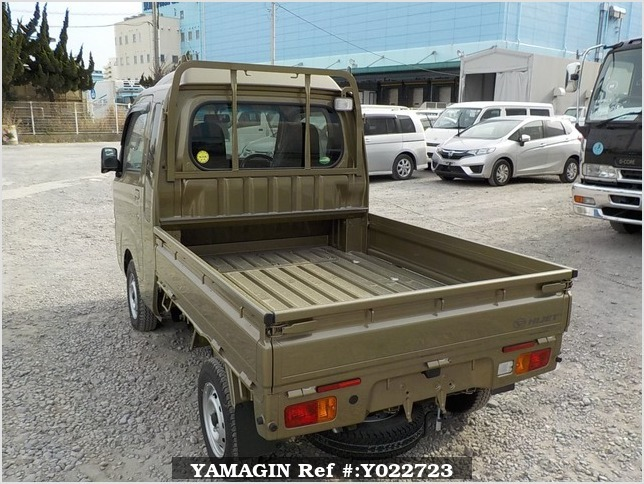 It is a picture of the khaki daihatsu hijet jumbo in 2018,Sub Photo 3 Stock No.Y022723