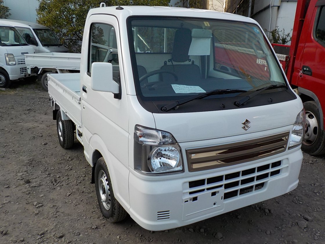 It is a picture of the white suzuki carry truck in 2018,First Photo Stock No.Y022774