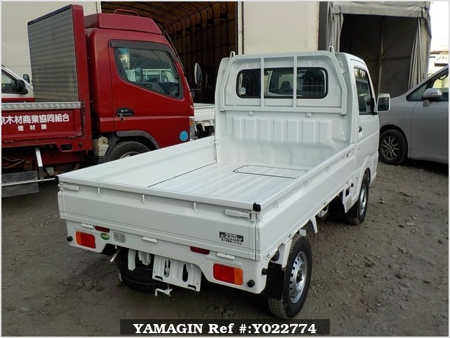 It is a picture of the white suzuki carry truck in 2018,Sub Photo 2 Stock No.Y022774