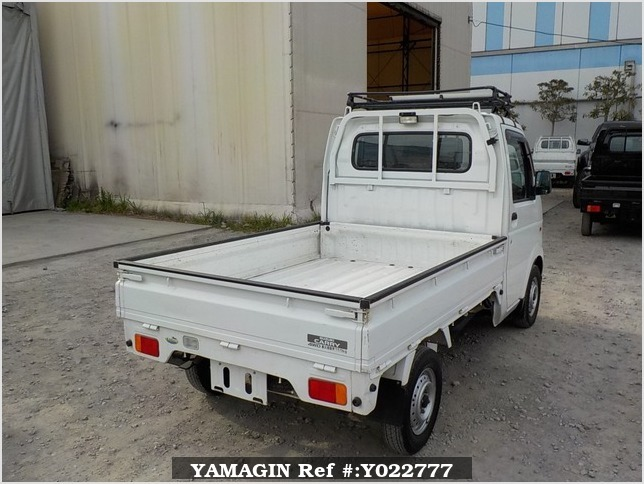 It is a picture of the white suzuki carry truck in 2003,Sub Photo 2 Stock No.Y022777