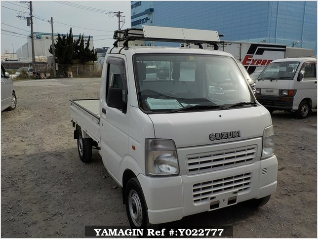 It is a picture of the white suzuki carry truck in 2003,Sub Photo 0 Stock No.Y022777