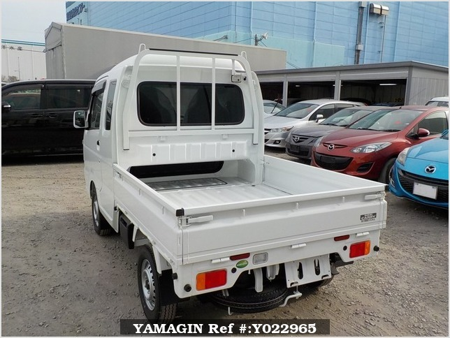 It is a picture of the white suzuki carry jumbo in 2018,Sub Photo 3 Stock No.Y022965