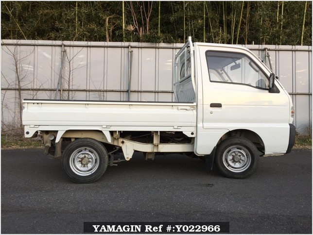 It is a picture of the white suzuki carry truck in 1993,Sub Photo 20 Stock No.Y022966