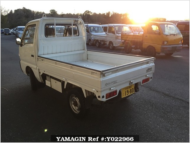 It is a picture of the white suzuki carry truck in 1993,Sub Photo 3 Stock No.Y022966