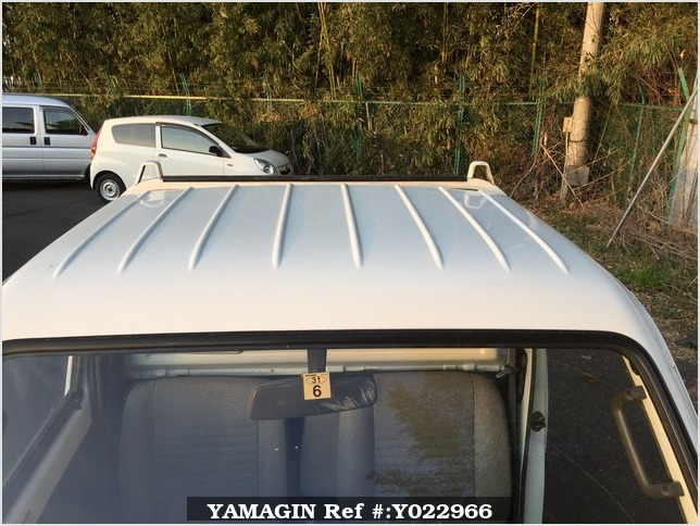 It is a picture of the white suzuki carry truck in 1993,Sub Photo 10 Stock No.Y022966