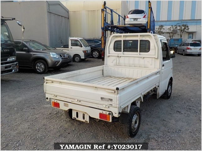 It is a picture of the white suzuki carry dump in 2007,Sub Photo 3 Stock No.Y023017