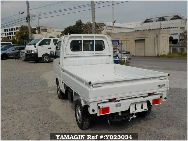 It is a picture of the white suzuki carry dump in 2018,Sub Photo 4 Stock No.Y023034