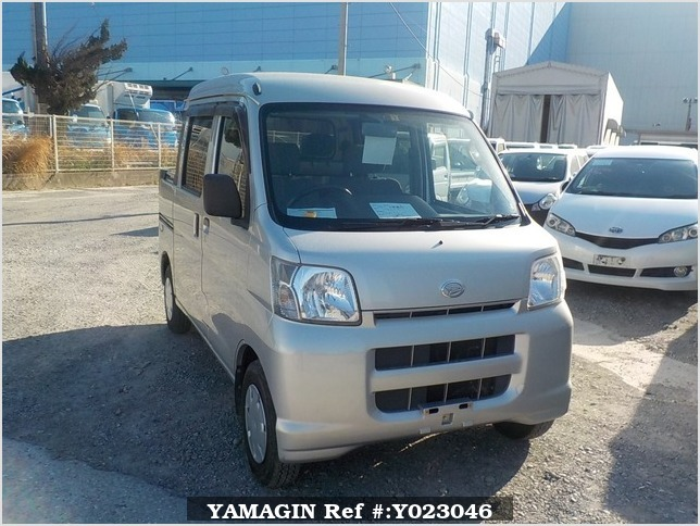 It is a picture of the silver daihatsu hijet  deck van in 2005,Sub Photo 0 Stock No.Y023046