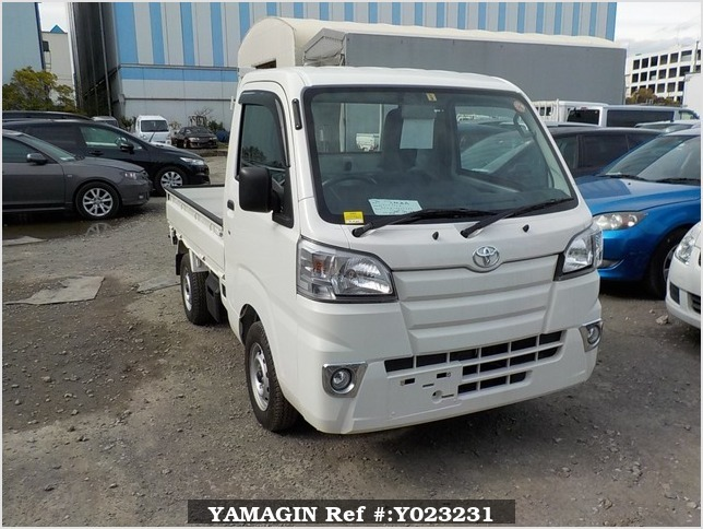 It is a picture of the white toyota pixis  truck in 2017,Sub Photo 0 Stock No.Y023231