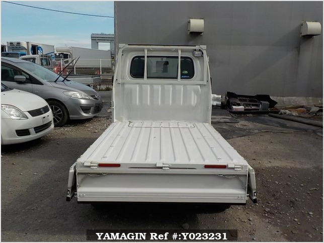 It is a picture of the white toyota pixis  truck in 2017,Sub Photo 4 Stock No.Y023231