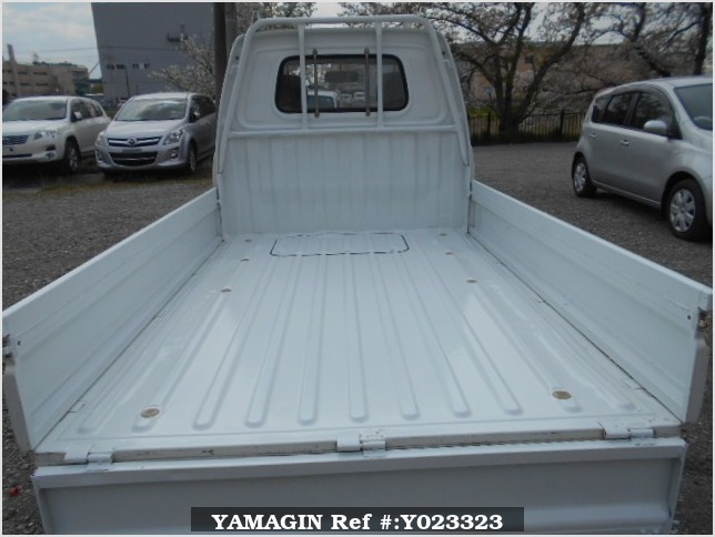 It is a picture of the white daihatsu hijet truck in 1993,Sub Photo 4 Stock No.Y023323