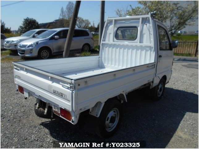 It is a picture of the white mitsubishi minicab truck in 1994,Sub Photo 2 Stock No.Y023325
