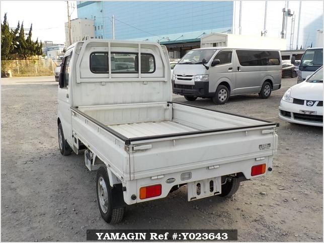 It is a picture of the white suzuki carry  truck in 2003,Sub Photo 3 Stock No.Y023643