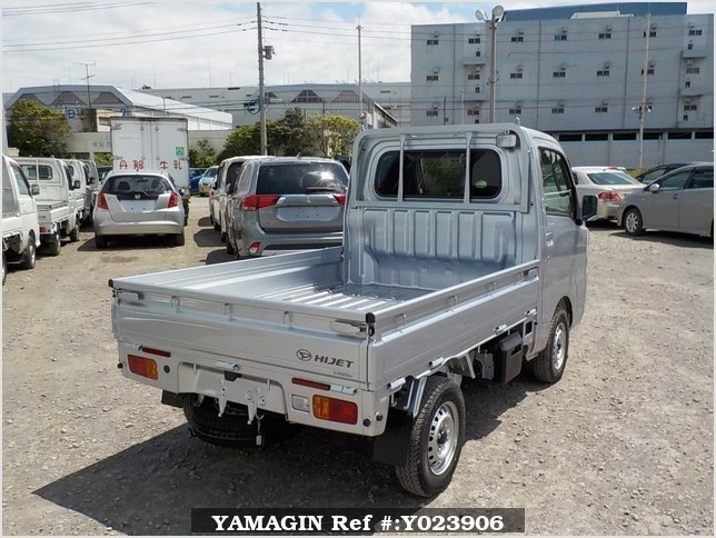 It is a picture of the silver daihatsu hijet truck in 2019,Sub Photo 2 Stock No.Y023906