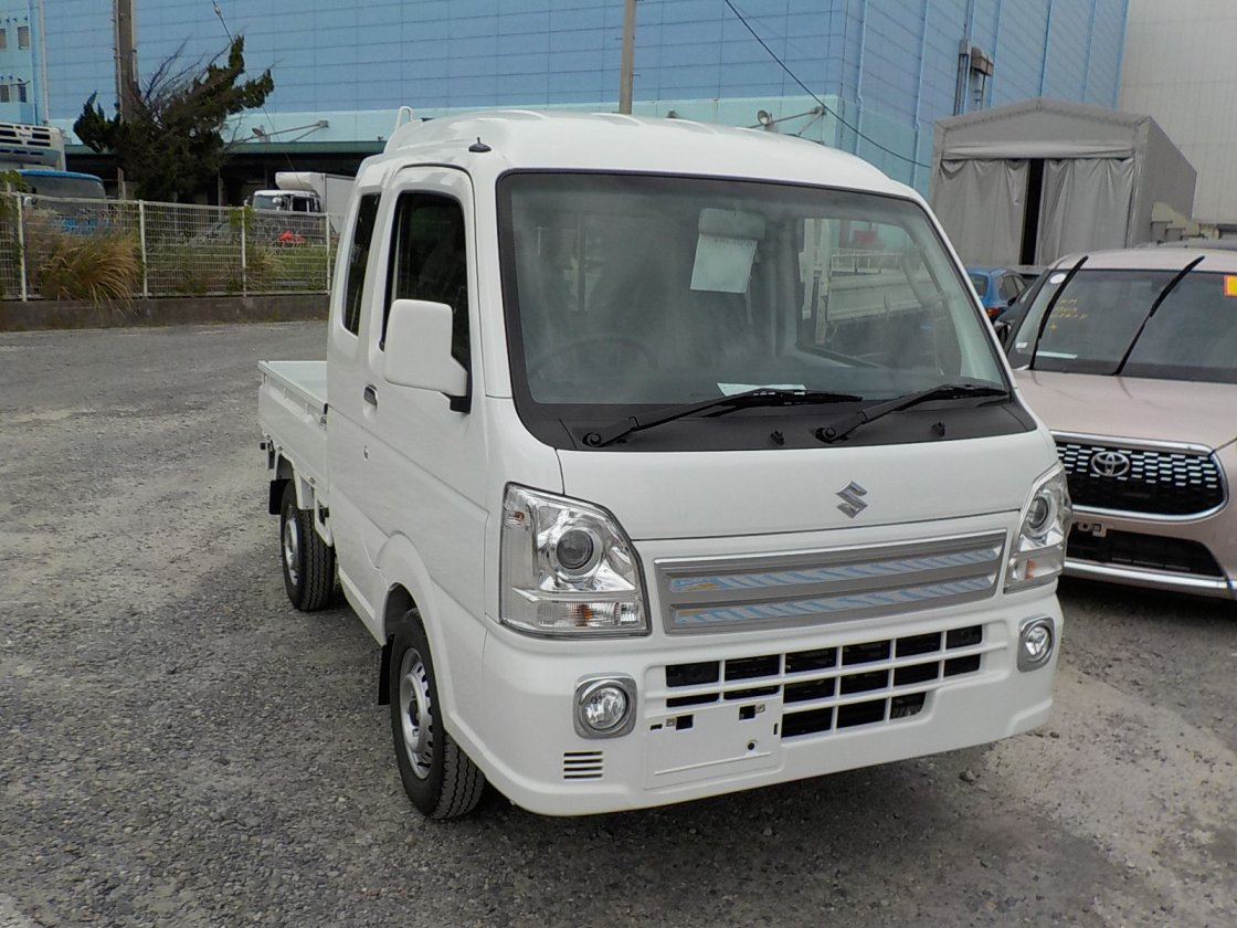 It is a picture of the white suzuki carry jumbo in 2018,First Photo Stock No.Y024202