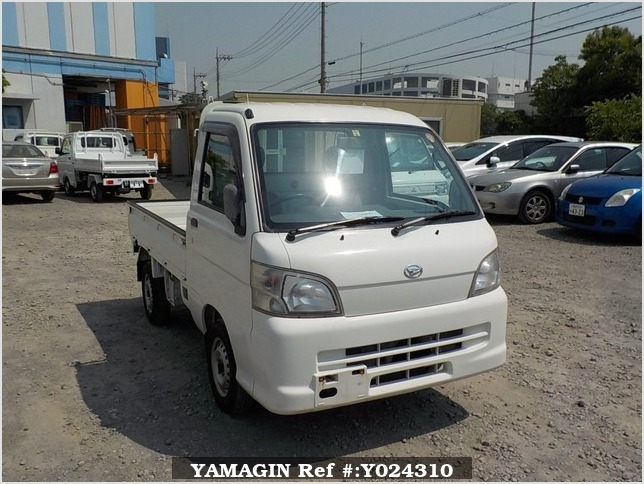 It is a picture of the white daihatsu hijet truck in 2005,Sub Photo 0 Stock No.Y024310