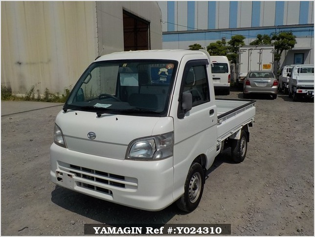 It is a picture of the white daihatsu hijet truck in 2005,Sub Photo 1 Stock No.Y024310