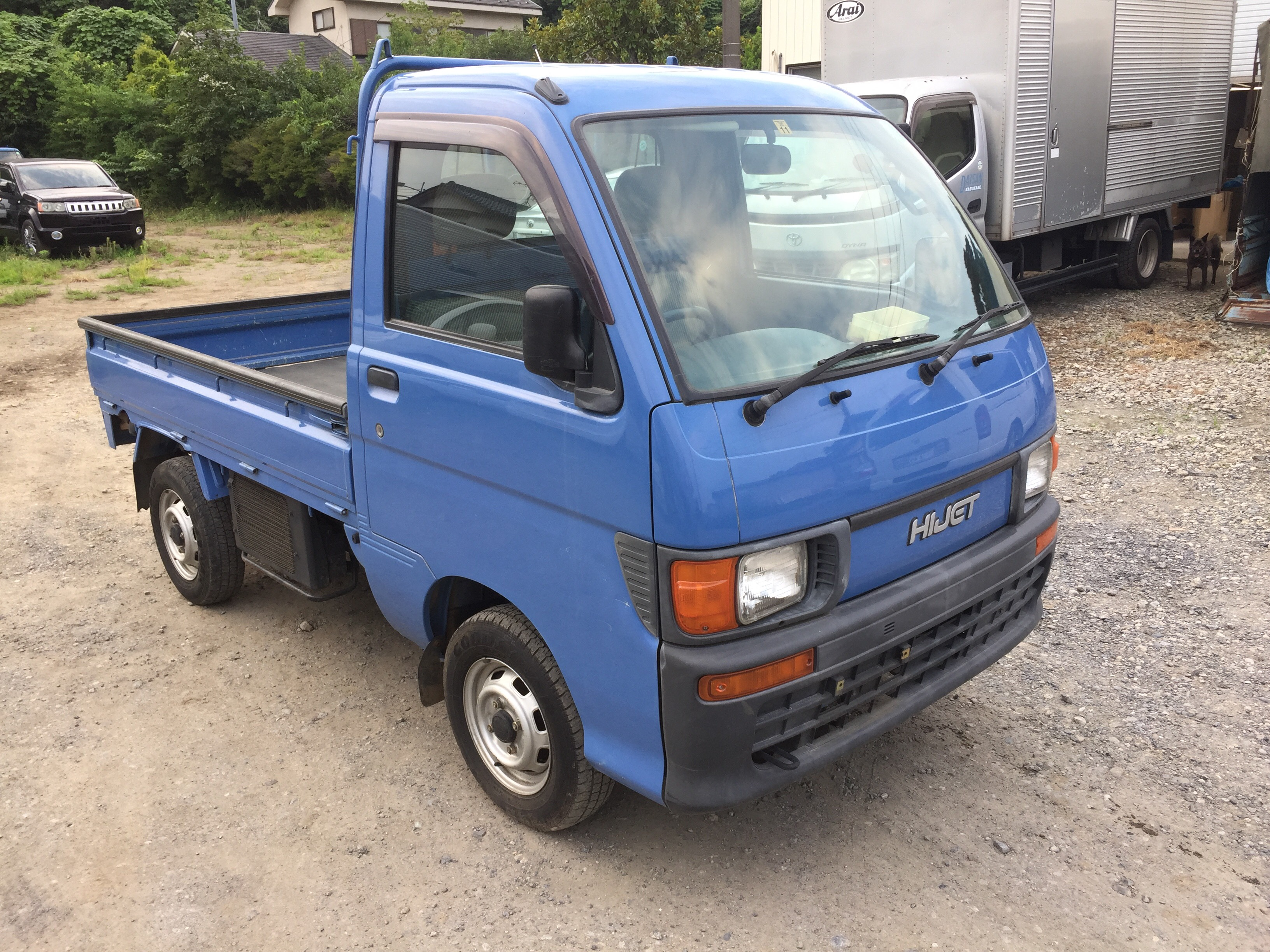 It is a picture of the blue daihatsu hijet truck in 1996,First Photo Stock No.Y024422