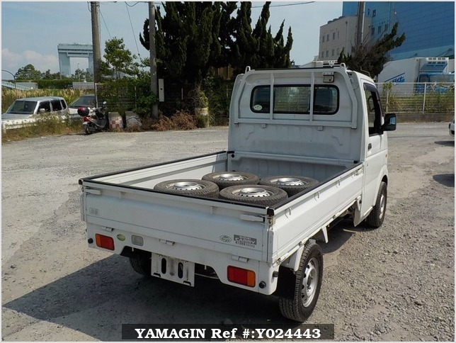 It is a picture of the white suzuki carry truck in 2009,Sub Photo 2 Stock No.Y024443