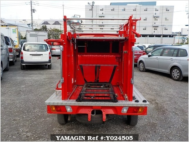 It is a picture of the red mitsubishi minicab truck fire truck in 2002,Sub Photo 4 Stock No.Y024505