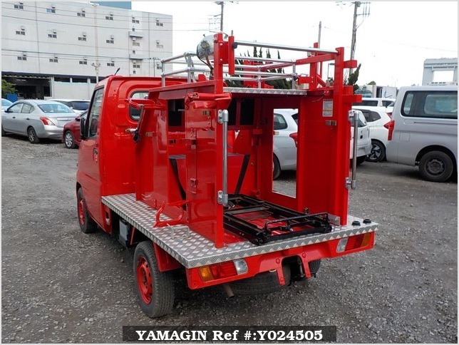 It is a picture of the red mitsubishi minicab truck fire truck in 2002,Sub Photo 3 Stock No.Y024505