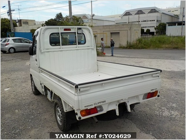 It is a picture of the white nissan clipper truck truck in 2009,Sub Photo 3 Stock No.Y024629