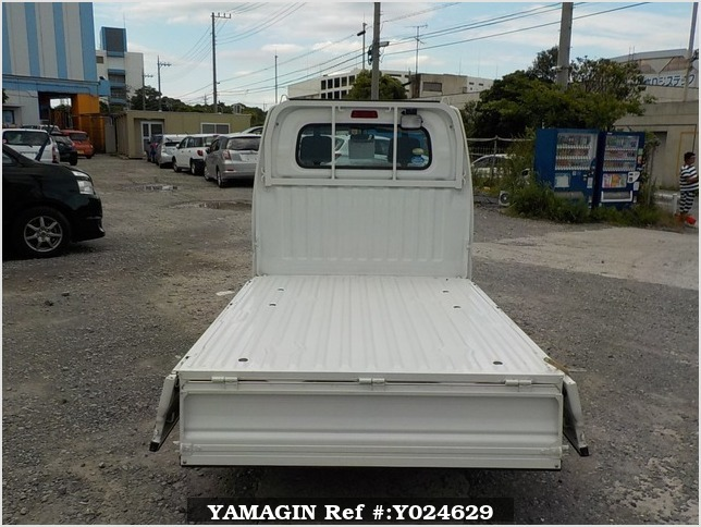 It is a picture of the white nissan clipper truck truck in 2009,Sub Photo 4 Stock No.Y024629