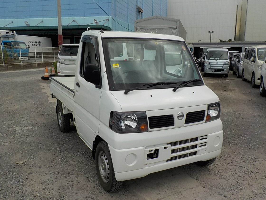 It is a picture of the white nissan clipper truck truck in 2009,First Photo Stock No.Y024629