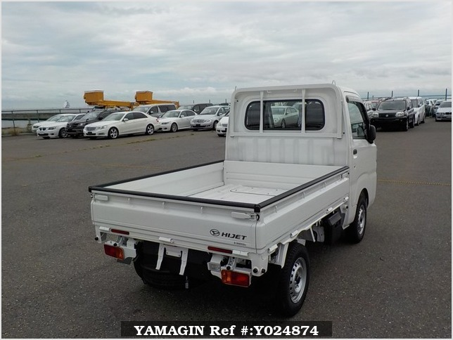 It is a picture of the white daihatsu hijet dump in 2019,Sub Photo 3 Stock No.Y024874