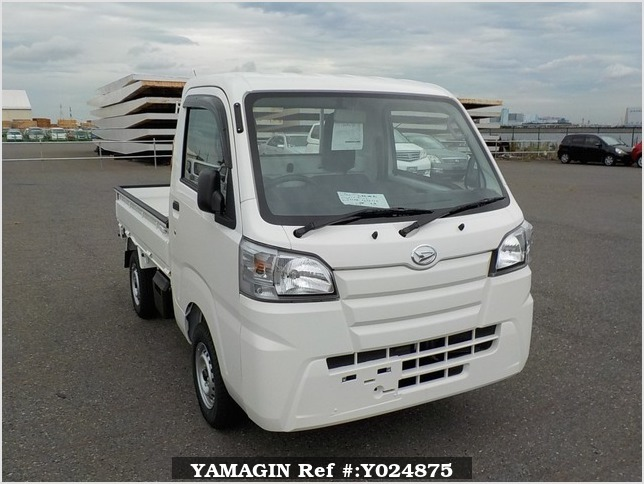 It is a picture of the white daihatsu hijet dump in 2019,Sub Photo 1 Stock No.Y024875