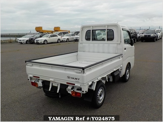 It is a picture of the white daihatsu hijet dump in 2019,Sub Photo 3 Stock No.Y024875