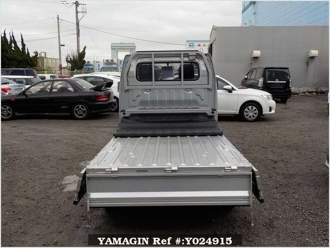 It is a picture of the silver suzuki carry truck in 2012,Sub Photo 4 Stock No.Y024915