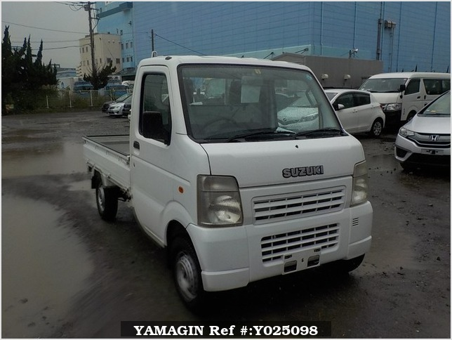 It is a picture of the white suzuki carry truck in 2006,Sub Photo 0 Stock No.Y025098