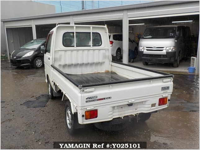 It is a picture of the white daihatsu hijet truck in 1999,Sub Photo 3 Stock No.Y025101