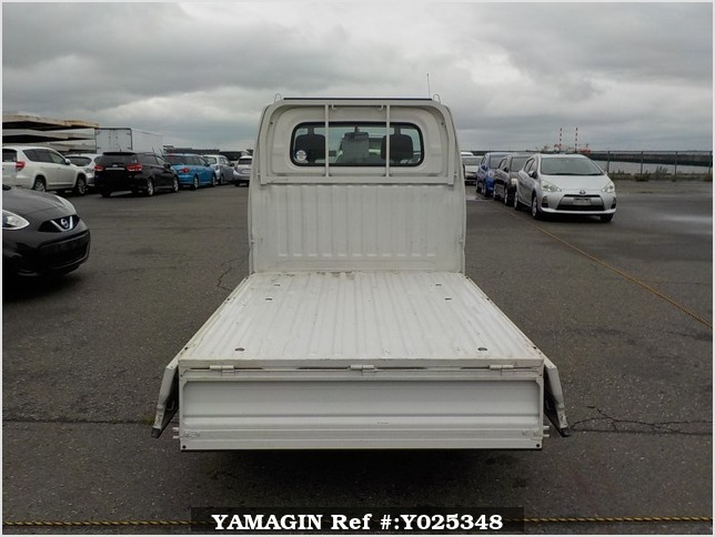 It is a picture of the white mitsubishi minicab truck truck in 2002,Sub Photo 4 Stock No.Y025348
