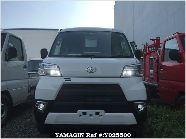 It is a picture of the white toyota pixis passenger van in 2019,Sub Photo 15 Stock No.Y025500