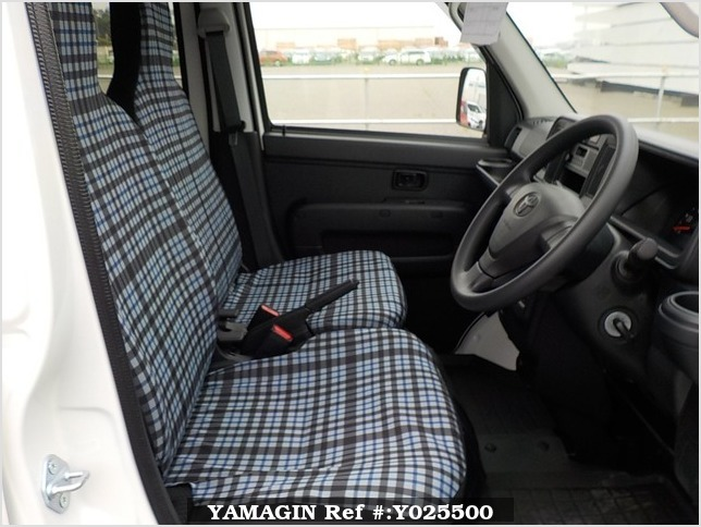 It is a picture of the white toyota pixis passenger van in 2019,Sub Photo 9 Stock No.Y025500